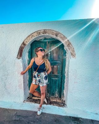 Tell me if you agree: doors can be so fun, colorful or even stunningly beautiful! They make a unique backdrop for any photo. Admiring them (and taking 10,000 photos) is one of my favorite things to do when exploring. Have you seen a door you couldn't resist capturing?
