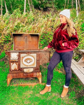 Cook or order pizza?   This stove is part of the Indian Valley Mine, a small roadside site just outside of Anchorage. Here you can learn about historical gold mining and see where miners used to live.  ⠀⠀⠀⠀⠀⠀⠀⠀⠀ Be sure to say hello to the owner Arlene and ask about the gold earrings she hand solders.   Save this post for your Alaska adventures!   . . . . . . . . . #goldminers #openroads #alaskalife #explorealaska #anchoragealaska #unitedstates #alaskanadventures #visitalaska #ilovealaska #onlyinalaska #alaskahighway #alaskaadventures #goldrush #antiquesofinstagram #woodstoves   Jacket: @ugg  from @nordstrom  (I'm literally so obsessed with it!)