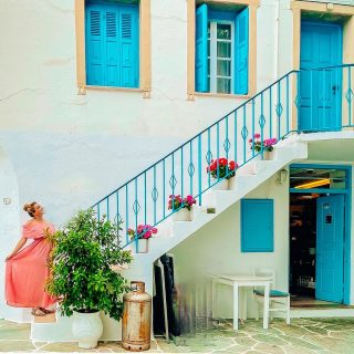 The streets of Folegandros are full of charm and color! Some houses standing are about 1000 years old. Would you visit here?